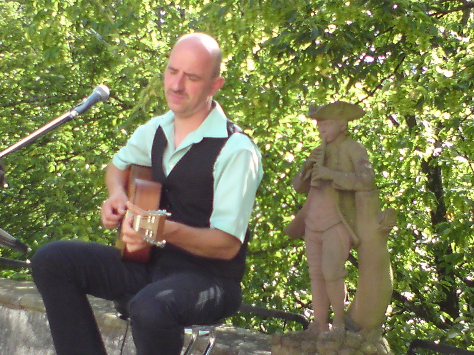 2014 bei Genuss im Park im Vinzentiusgarten in Offenburg
